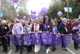Insultos a Almeida en la marcha 'feminazi' del 8-M: