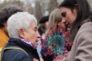 Vea la tremebunda irresponsabilidad de Irene Montero el 8-M: repartiendo besos y abrazos a población de riesgo del coronavirus