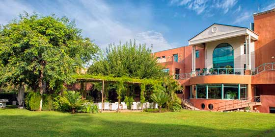 Les Roches revalida su liderazgo entre las tres mejores escuelas de formación hotelera del mundo
