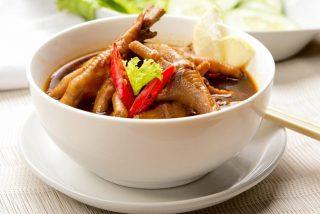 Sopa de patas de pollo: No podrás creer sus beneficios para tu salud