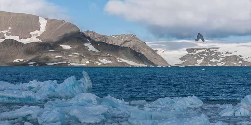 """La Antártida y Groenlandia pierden hielo aceleradamente y una experta hace temer lo peor: """"No sabemos si ya es demasiado tarde"""""""
