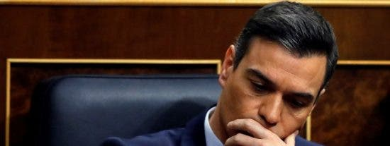 """Primer revolcón serio para el """"arrogante"""" Sánchez con un no rotundo a la incautación del superávit municipal"""