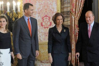 Don Juan Carlos responde al Rey Felipe: filtra secretos que afectarán gravemente a Doña Letizia