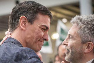 Sánchez y Marlaska fulminan al policía que alertó del riesgo y que podría llevar al Gobierno a la cárcel