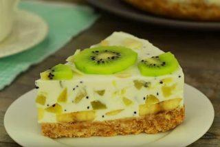 Tarta de yogur con plátano y kiwi