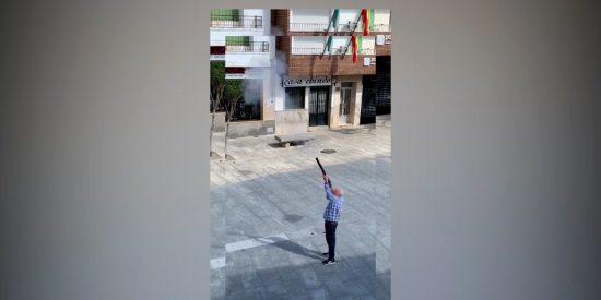 """Cáceres: Fiestas y disparos en la calle pese al confinamiento, por ser """"una tradición"""""""