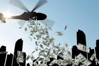 'Lanzar dinero desde un helicóptero': la medida que está ganando adeptos para enfrentar la bestial crisis económica que se avecina
