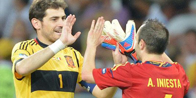 """Iniesta apuesta por Iker Casillas para la RFEF: """"Todos lo vemos capacitado para estar ahí"""""""