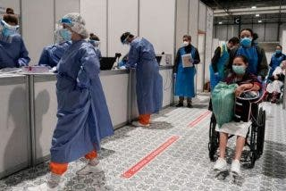 El Gobierno menosprecia a los celadores, camilleros y personal del hospital al considerarles profesional de