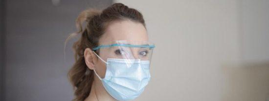 La OMS avisa del peligro de las mascarillas de algodón: son una fuente de infección