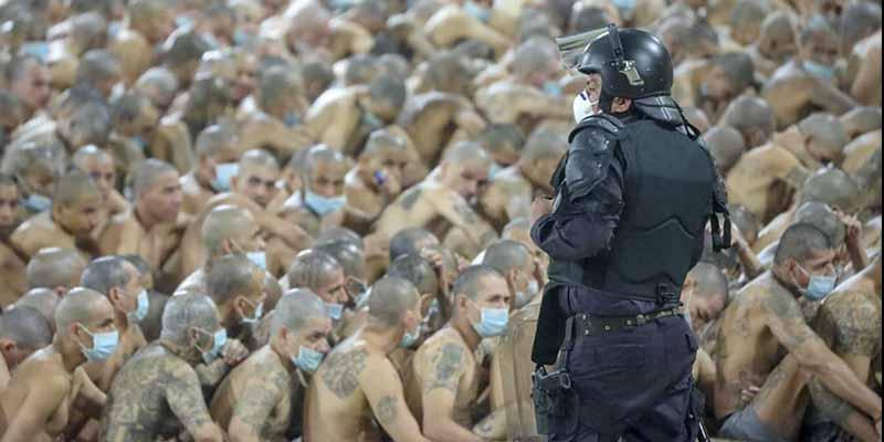 Bukele impone la fuerza letal en El Salvador, 'sella' las celdas de las cárceles y no se podrá ver hacia afuera