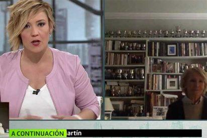 Esperanza Aguirre restriega por la cara de Cristina Pardo