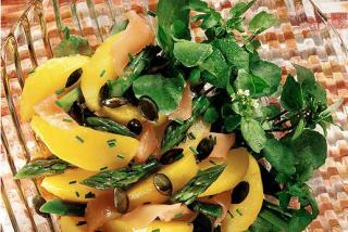 Ensalada de patatas y esparragos