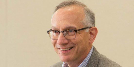Los 6 pasos que propone el Dr. Harvey V. Fineberg, una eminencia de la medicina en EEUU, para luchar contra el coronavirus sin destruir la economía