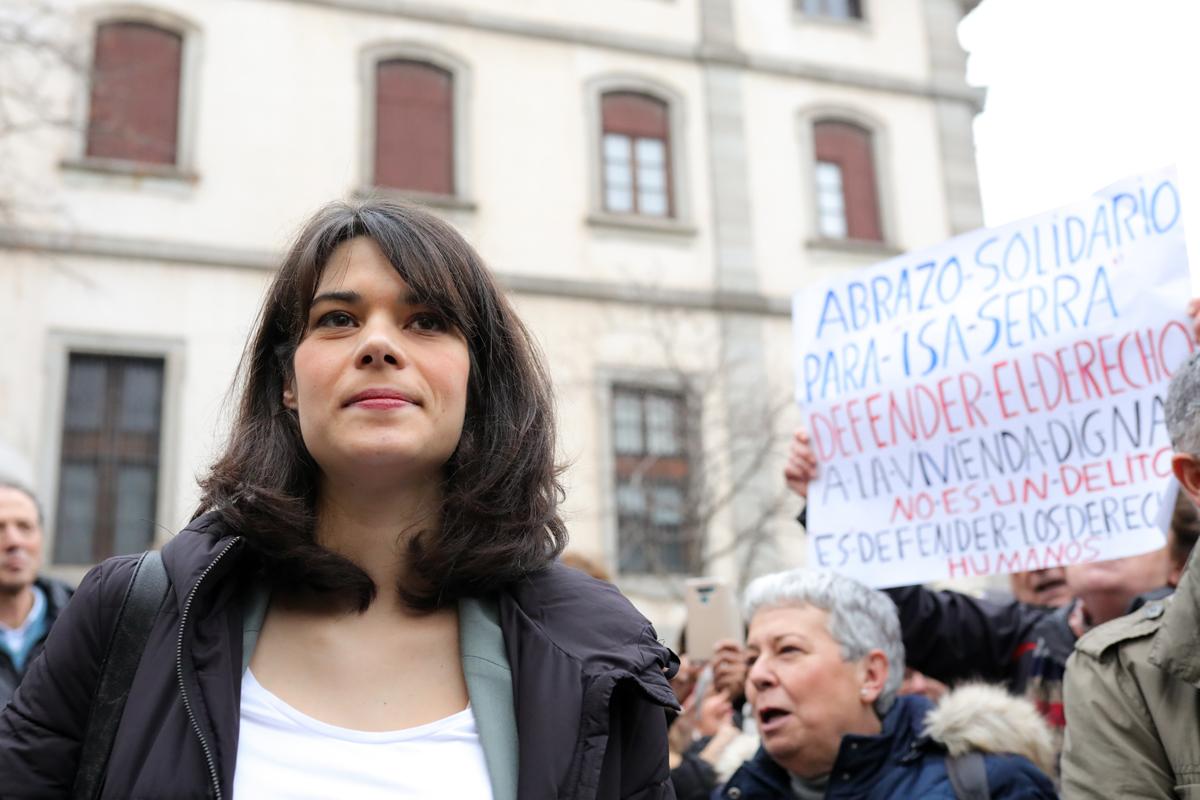 ¿Isa Serra espera lo peor?: No recogerá su escaño días antes de que el TS se pronuncie sobre su condena
