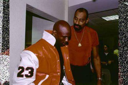 El día que Chamberlain humilló a Jordan para proclamarse como el mejor baloncestista de la historia