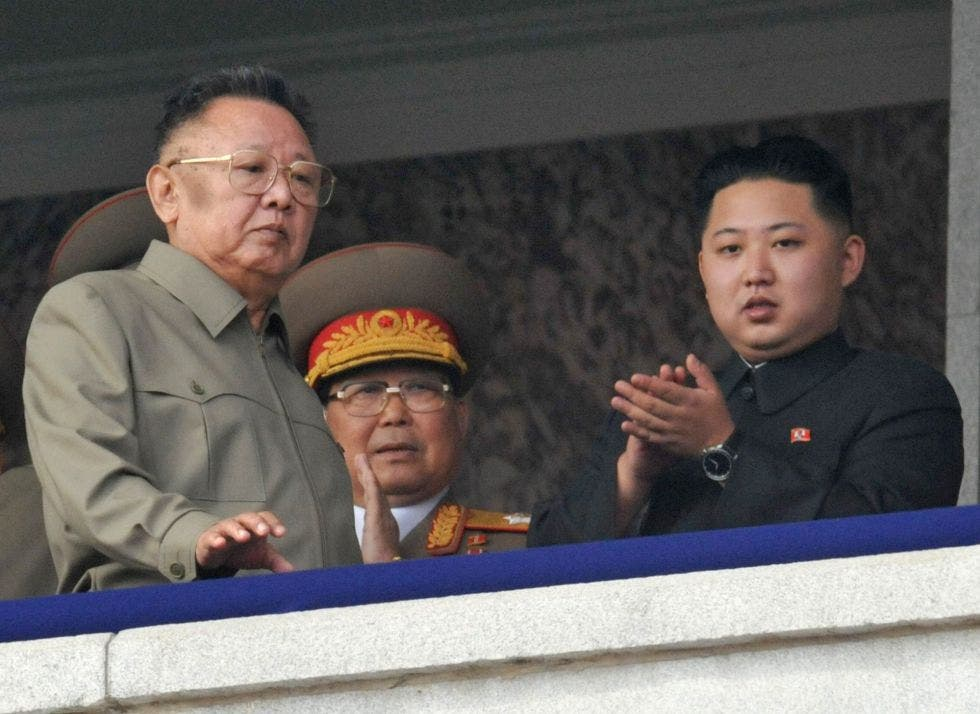 "Kim Jong-un despide a varios altos cargos por un ""incidente grave"" vinculado al COVID-19"