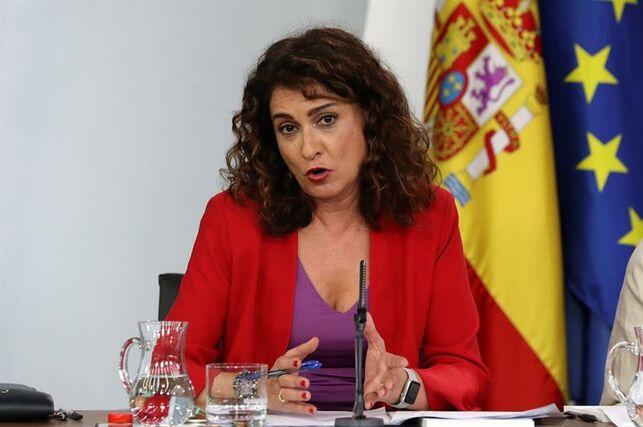 María Jesús Montero la lía parda: anuncia que el 26 de abril se podrá salir a la calle justo el día en que el coronavirus provoca un nuevo estrago en España