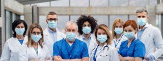 """Médicos de Madrid anuncian huelga si Ayuso no les recibe para abordar """"la acuciante situación de la sanidad"""""""