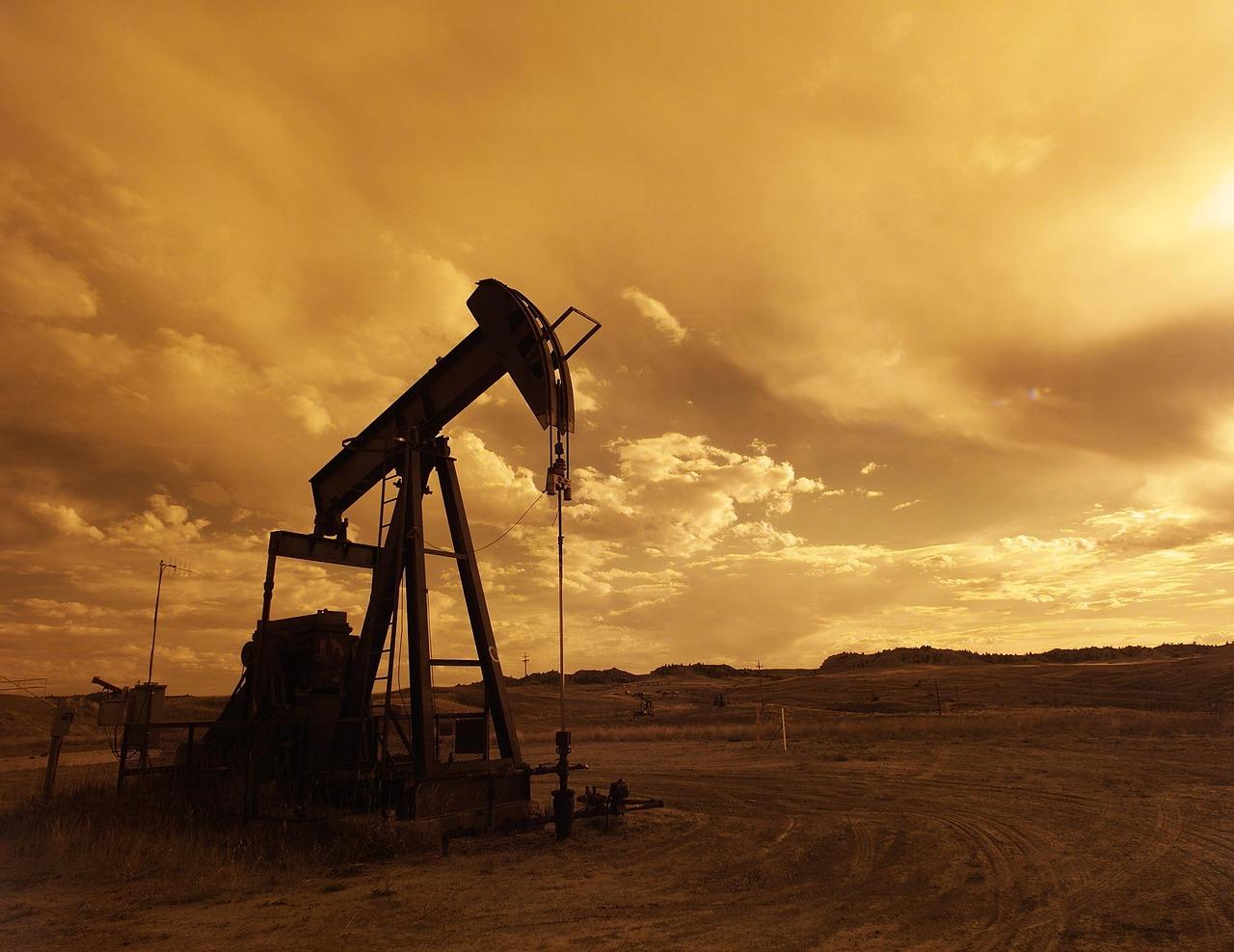 Siria acusa a EEUU de apoderarse del 90 % de sus reservas de crudo en el noreste del país