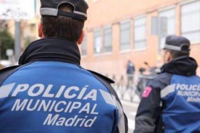 Cuatro tipos se saltan un control, atropellan con el coche a un policía municipal y se dan a la fuga en Madrid