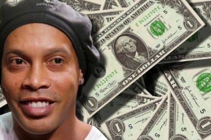 Ronaldinho sale de la cárcel y se va a un hotel donde permancerá en arresto domiciliario