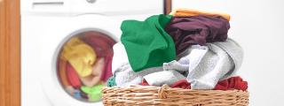 Coronavirus: Cuánto tiempo puede sobrevivir en la ropa y cómo debo lavarla