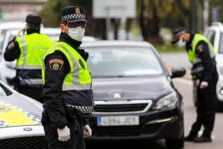 Salta de un vehículo al ver un control policial del COVID-19: tenía una bolsa con marihuana