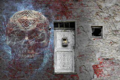 Tremenda genialidad: si alguien rompe la cuarentena, ¡lo encierran enuna casa embrujada!