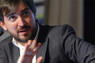 Cisma en la izquierda mediática: Escolar 'traiciona' al resto de digitales progres que suplican la merced de Sánchez y los abandona a su suerte