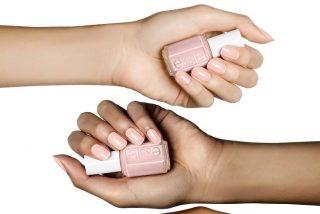 esmaltes de uñas color porcelana para una manicura natural