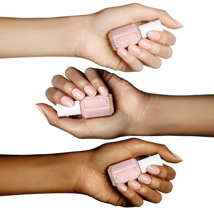 esmaltes de uñas claros