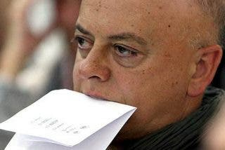 Un médico enfermo de Covid-19 pone a caldo al socialista Odón Elorza por dárselas de íntegro: