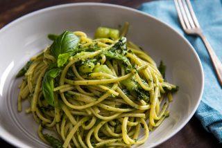 Cómo hacer los mejores espaguetis con salsa pesto