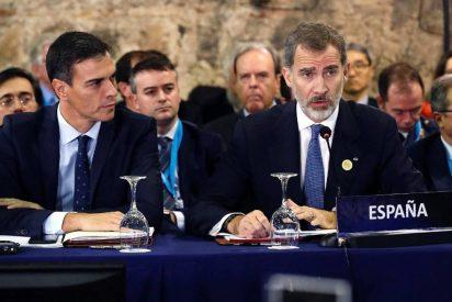 Pedro Sánchez 'espía' al Rey tras un rumor que golpea Moncloa: Don Felipe habla de cambiar al Gobierno