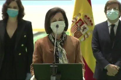 Al Gobierno Sánchez le crecen los enanos: hasta Margarita Robles parece parar el himno nacional