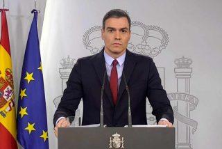 Nueva ofensa de Sánchez a los muertos por el coronavirus: se monta un 'viajecito' para no asistir al funeral en La Almudena