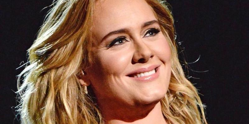 """Adele muestra su cambio radical tras perder 70 kilos y se convierte en tendencia mundial: """"Increíble transformación"""""""