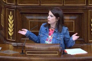 """Adriana Lastra (PSOE) patalea en redes sociales tras el fiasco de la moción: """"¡El PP corrompe la política!"""""""