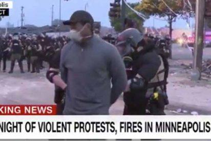 Mordaza policial en Minneapolis: arrestan a un reportero de la CNN mientras informaba en directo de las fuertes protestas