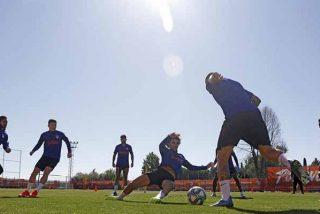 Ya es fase 1 en el fútbol: el Atlético de Madrid se entrenó por primera vez en grupo