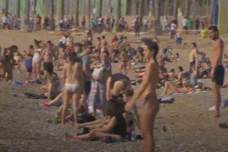 Desfase en Barcelona: la Policía vuelve a desalojar las playas con las aglomeraciones