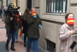Un fuerte despliegue policial no silencia al barrio de Salamanca: cacerolada y manifestantes en Núñez de Balboa