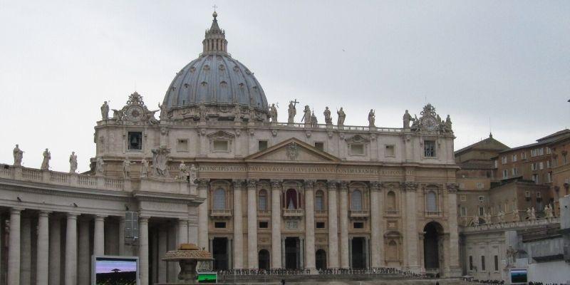 Las nuevas medidas de los Museos Vaticanos: mascarilla obligatoria y termómetros para medir la temperatura
