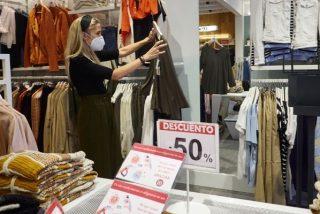 ¡Nueva ocurrencia! El Gobierno castiga al comercio prohibiendo las rebajas en tiendas físicas