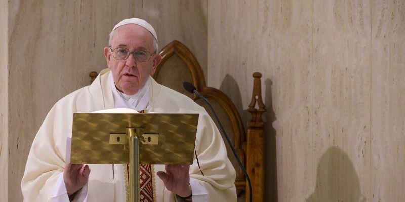 El Papa celebra hoy la primera misa con fieles recordando el centenario del nacimiento de Juan Pablo II