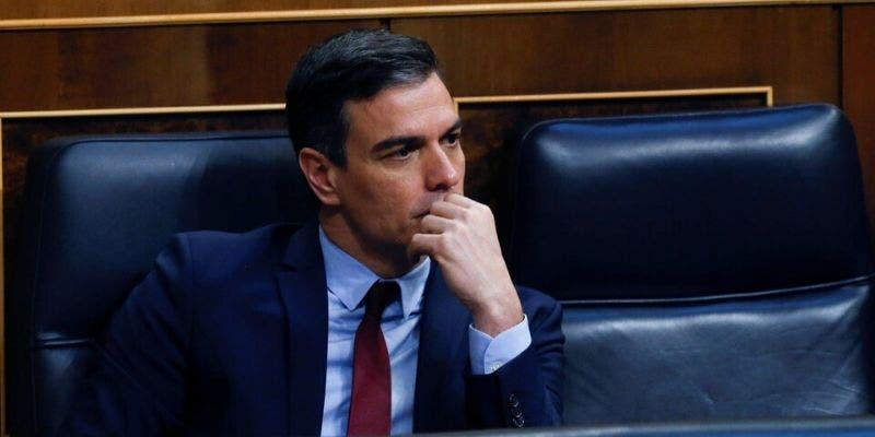 El dislate del Gobierno con la apertura al turismo: extranjeros desde el 1 de julio pero madrileños 'encerrados'