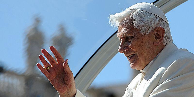 """Benedicto XVI: """"La sociedad moderna está formulando un credo anticristiano"""""""