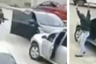 Un facineroso inexperto es atrapado de la manera más tonta cuando intentaba robarse un coche