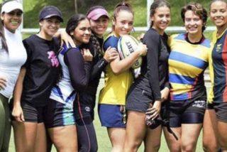 Isabel Romero, la primera de izquierda a derecha.